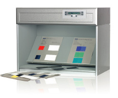 Colour fastness cabinets