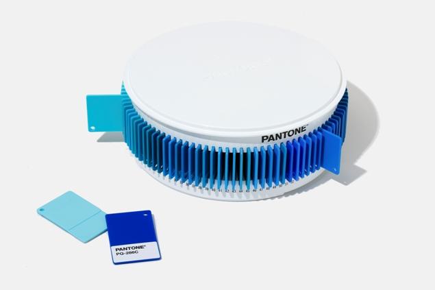 blue set pantone