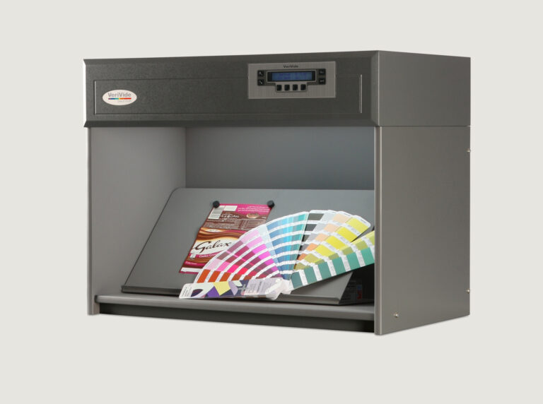 Packaging inside colour assessment cabinet